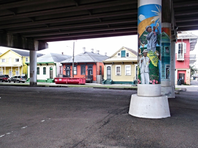 Treme overpass mural
